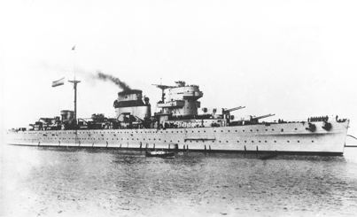 Foto del crucero Canarias en su primera época. Colección Todoavante. Casaú. Cartagena.