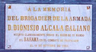 Lápida en el Panteón de Marinos Ilustres de don Dionisio Alcalá Galiano y de Alcalá Galiano. Cortesía del Museo Naval. Madrid.