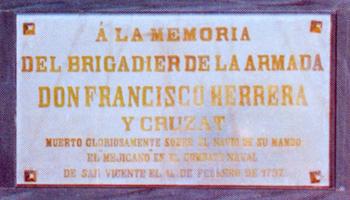 Placa en recuerdo del don Francisco Herrera y Cruzat que se encuentra en el Panteón de Marinos Ilustres de San Fernando. Cortesía del Museo Naval. Madrid.